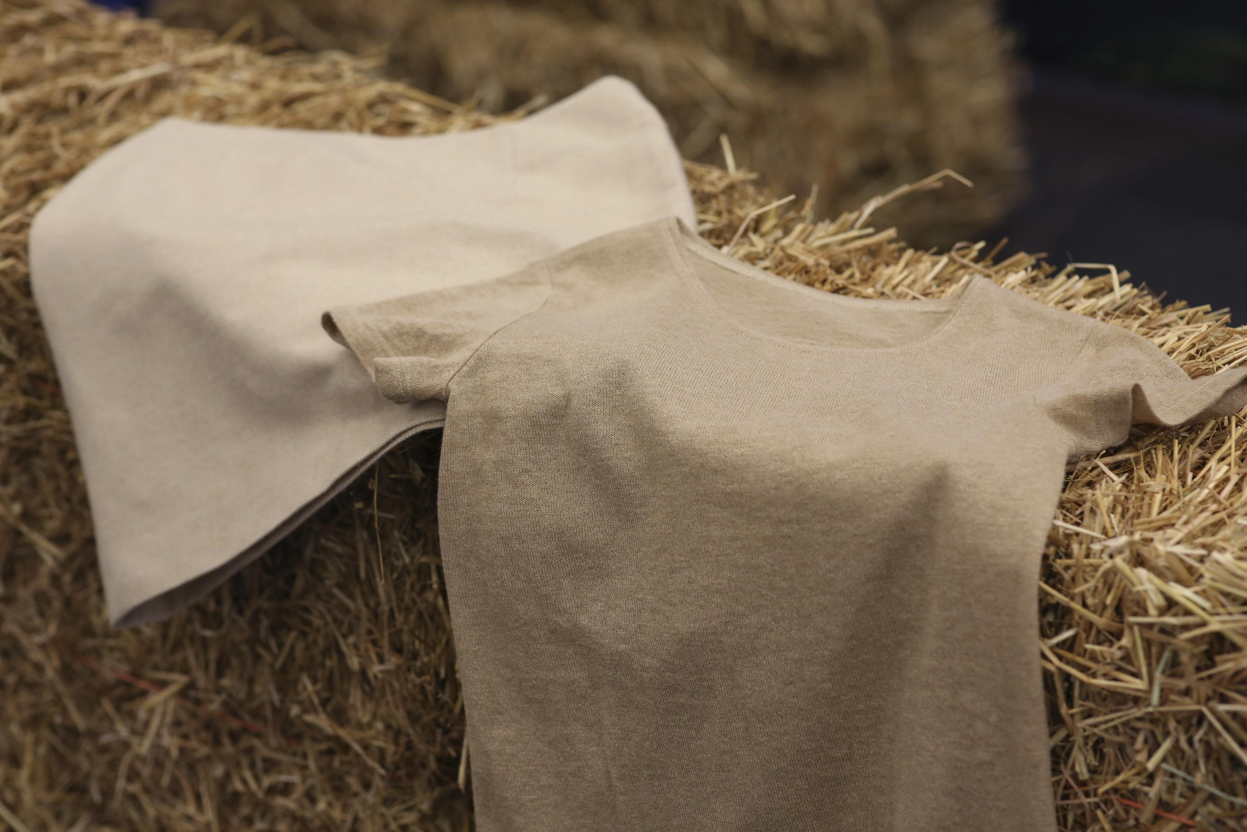 wheat straw skirt