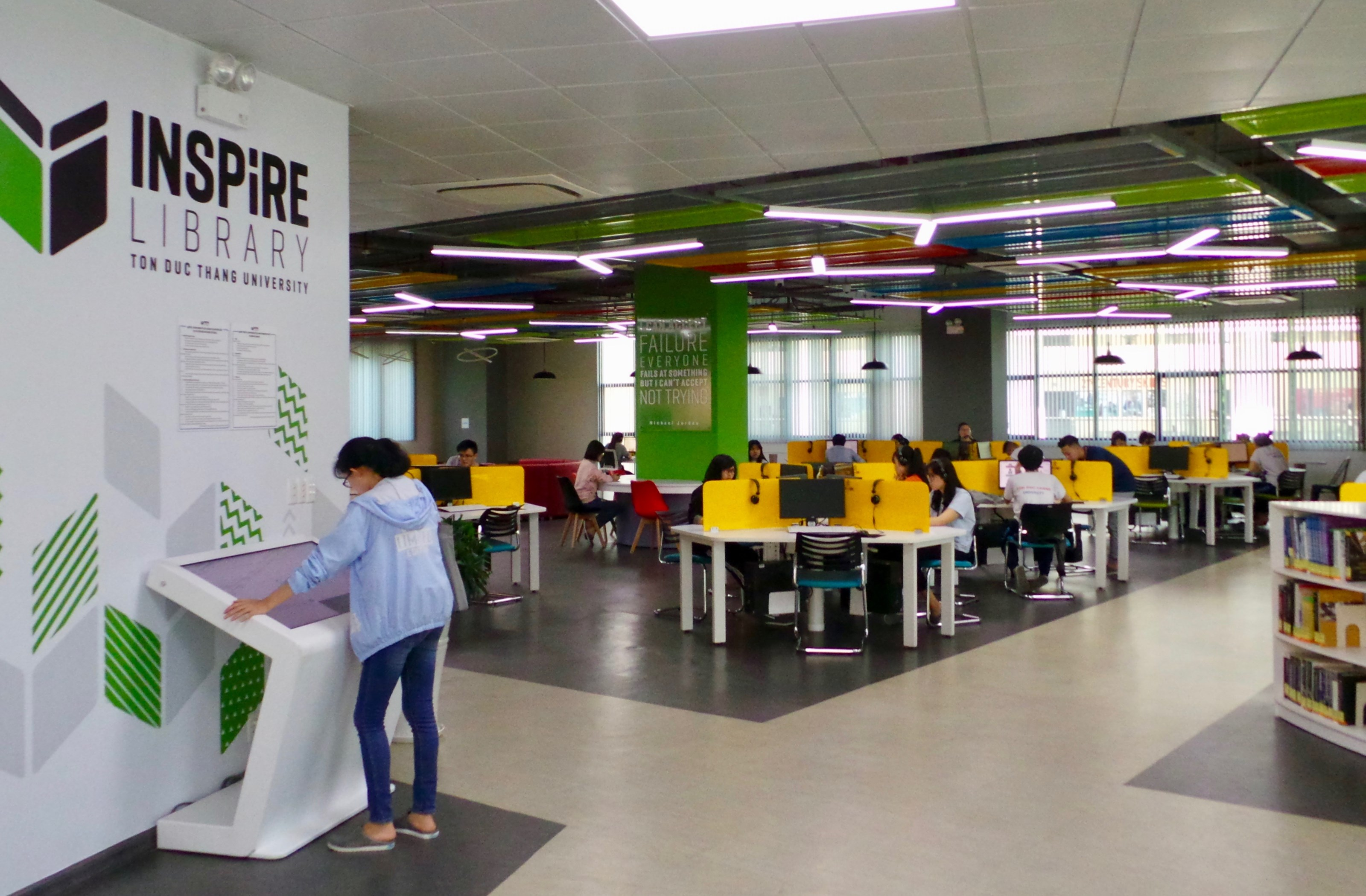 Opened in 2017 by the TDT University, the Inspire Library is the country's most modern, and its information management systems support students' learning and information search needs, as well as the needs of the school's internal activities and management.